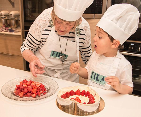 Forfait de 10 cours parent enfant fika l 39 atelier p tisserie de julia - Cours de cuisine parent enfant paris ...
